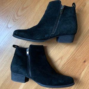 Blondo Villa Waterproof Boots in Black Suede